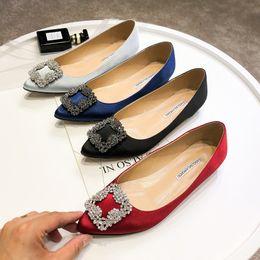 Canada Casual Designer Sexy lady fashion noir en cuir de satin strass cristal pointe bout plat appartements chaussures neuves avec boîte chaussures de mariée d'origine Offre