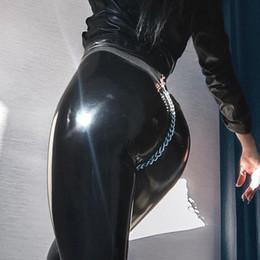 нажимать на похудение Скидка ПУ искусственной кожи тонкий карандаш брюки женские 2019 весна высокая талия Bodycon пуш-ап цепи новая мода уличная брюки