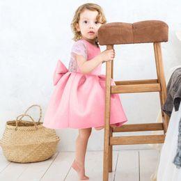 Modèles féminins robes en Ligne-2019 modèles d'explosion de vêtements pour enfants filles s'habillent bébé femelle manches volantes en dentelle dos robe de princesse