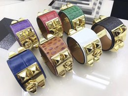 2019 gold armband armband muster Designer Schmuck Frauen Armbänder Krokoprägung Leder Manschetten Frauen Armreif Hip Hop Bling Schmuck Liebe Armband günstig gold armband armband muster