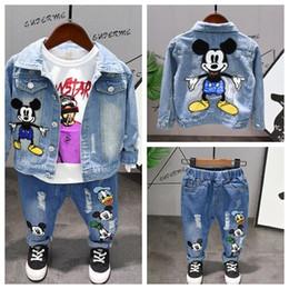 2019 chaqueta de los niños jeans Primavera otoño Niños niños ropa conjunto Bebé niño ropa moda niño bebé ropa Denim jacket ++ camiseta + jeans niños 3pcs conjunto rebajas chaqueta de los niños jeans
