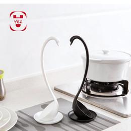 Подставка для ковша онлайн-NEW Элегантный Swan Self-Stand суповая ложка с опорной плитой Совершенная Curve Cygnet Scoop Симпатичные Ковш Кухня Кухня Инструмент белый черный