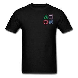 Wholesale Siyah Tshirts Playstation Kontrol Ünitesi Gökkuşağı Desen Oyun Kişiselleştirilmiş tişörtleri Erkekler Geometri VideoGame Ücretsiz Nakliye