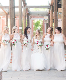 d spitze hochzeitskleid Rabatt 2019 Billig White Lace Günstige Brautjungfernkleider Neckholder Hochzeitsgast Kleid Brautjungfer Kleider Robes de Demoiselle d'honneur BM0334
