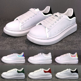 2019 Luxo 3 M Reflexivo Preto Branco DOURADO Sapatos de Grife Lace Up Plataforma Confortável Homens Mulheres Tênis Casuais Moda chaussures Barato cheap golden laces de Fornecedores de laços de ouro