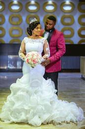 Vestidos nude glamorous on-line-2019 Glamorous Moda Africano Organza Cascading Ruffles Sereia Vestidos de Casamento com Apliques de Renda Mangas Compridas plus size Vestidos de Noiva
