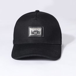 stylish ball caps Promo Codes - Qp 2019 new summer new women hats with imported fabrics comfortable and stylish iron letter badge printing men hates