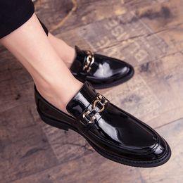Calzado de primavera para hombre online-Zapatos para hombre Casual Primavera Verano Hombres Mocasines Slip On Cuero Zapatos para hombres jóvenes Moda transpirable Calzado plano Negro a4