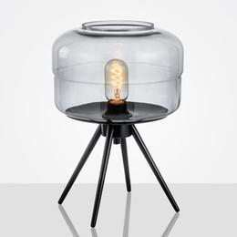 mesa cinzenta Desconto Europa candeeiro de mesa de fumo e27 mesa de metal luz de vidro âmbar cinza cor tons mesa de escritório lâmpadas de mesa novo deco para quarto e112