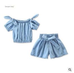 Çocuklar giysi tasarımcısı kızlar 2 adet kıyafet seti 2019 yaz bebek kız açık mavi kapalı omuz yay t-shirt bluz tops + geniş bacak şort pantolon set cheap lights outfits nereden işık kıyafeti tedarikçiler