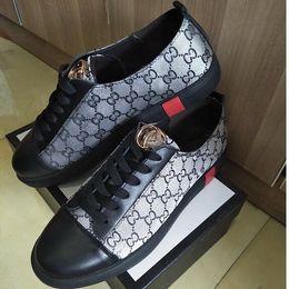 Vender marca sapatos casuais verão nova tendência de sapatos de tênis versão coreana de baixo-top de moda sapatos masculinos de couro, sapatos casuais, sapatos de caminhada G1.51 supplier top hiking brands de Fornecedores de marcas de caminhadas topo