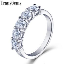 2019 стерлинговое серебро Transgems платиновое покрытие стерлингового серебра 1.25 ctw 4 мм Gh цвет Moissanite половина вечности обручальное кольцо для женщин юбилей C19032501 скидка стерлинговое серебро