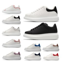 alexander mcqueen nuovi modelli di marca designer uomo donna pelle moda Alexander piattaforma aumentare scarpe casual mens Mcqueens chaussures sneakers basse da stivali mens catena fornitori