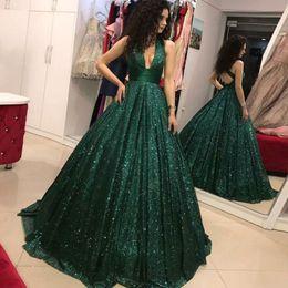 Verde escuro 2019 Sexy A Linha Espumante Glitter Profundo Decote Em V Vestidos de Baile com Bling Lantejoulas Longo Formal Partido Vestidos de Desgaste da Noite cheap green glitter prom dress de Fornecedores de vestido de baile de formatura verde