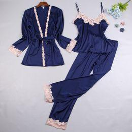 2018 New Womens 3 pc Strap Top Calças Terno Noite Robe Sleepwear Conjuntos Pijamas Casuais Sexy Nightwear Kimono Vestido de Banho M L Xl J190704 cheap new sexy night suit de Fornecedores de novo terno noite sexy