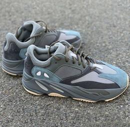 2019 700 V2 corredor de la onda azul del trullo Vanta inercia Kanye West zapatos corrientes de los zapatos Hombres Mujeres Deporte desde fabricantes