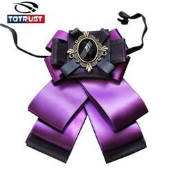 2019 großhandel gestreifte krawatten für männer Mode Britische Fliege Männer Und Frauen Krawatte Für Frauen Krawatten 2018 Hochzeit Bogen Gravata Uniform Krawatte Weibliche Groomsmen Schmetterling