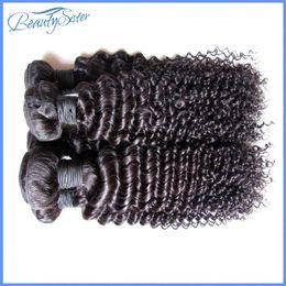 Venta al por mayor barato brasileño rizado rizado extensiones de cabello humano teje paquetes 1kg 10bundles mucho color negro natural 5a grado 100gbundle desde fabricantes
