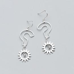 2019 argento sterling 925 Orecchini pendenti in argento sterling 925 con sole punto interrogativo moda sconti argento sterling 925