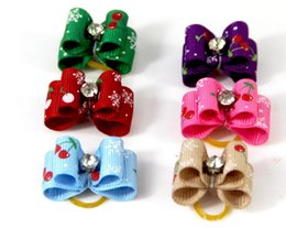 Accessoires mignons de cerises en Ligne-Nouveau mignon belle Pet Cat Dog flocons de neige cherry Santa Accessoires Cheveux arcs avec des élastiques Bandes de toilettage Accessoires Cute Pet Headwear Costume