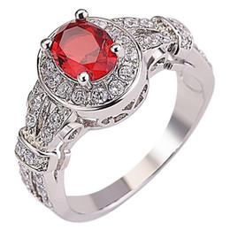Moda vintage per le donne gemma ovale imitazione piccione rosso sangue anello rubino migliori regali da