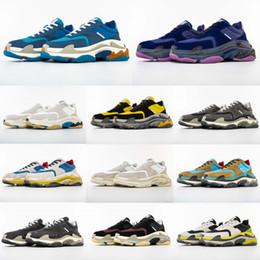 Argentina La mayoría de moda 2019 de calidad superior nuevo color Triple-S V2 zapatillas de deporte hombres / mujeres zapatillas deportivas tamaño estándar 36-45 supplier trendy running shoes Suministro