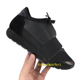 Scarpe da tennis blu a buon mercato online-Nuovo marchio popolare scarpa casual uomo donna scarpa da tennis economica colori misti moda rosso blu Nude Mesh scarpe da ginnastica firmate drop shipping con scatola