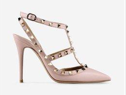 tacco alto di valentina Sconti Hot Pointed Toe 2-Strap con borchie Tacchi alti in pelle Rivetti Sandali Scarpe da donna Valentino scarpe tacco alto