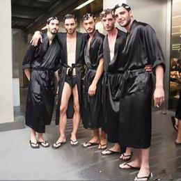 атласные пояса флота Скидка Китайский мужской темно-синий сатиновый халат с поясом кимоно халат платье ночная рубашка пижамы домашний досуг пижамы S M L Xl Xxl 20701 T2190612