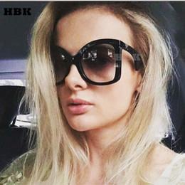 2019 gli occhiali da sole sexy all'ingrosso vendita all'ingrosso di marca occhiali da sole oversize donne 2018 nuovo sexy grande telaio nero occhiali da sole signore unico oculos shades italia gli occhiali da sole sexy all'ingrosso economici