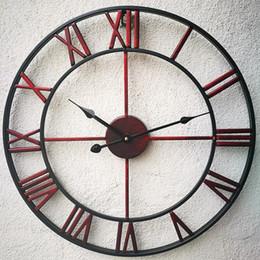 Reloj de pared decorativo grande online-Decoración de la pared del reloj de pared nuevo Design3D circular retro romano 47cm forjado hueco de la vendimia del hierro reloj de pared grande Silencio decorativo para el hogar