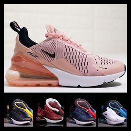 [Spor İzle] Designer shoes men women Nike 270 AIR MAX Ucuz Atletik Erkekler Gökkuşağı Yeni Tasarımcılar Sneakers Erkek Yürüyüş çocuklar Spor Siyah Beyaz 27c  Kadın  Ayakkabıları nereden