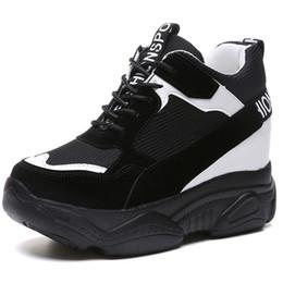 74dc4dd0cff3 cales de chaussures à talons hauts Promotion Chaussures à semelles  compensées pour femmes Baskets compensées à
