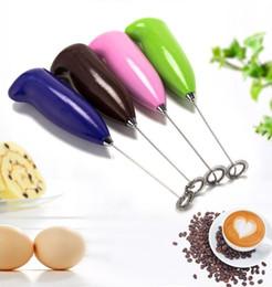 atacadores de ovos Desconto Mini Batedor de Ovos de Aço Inoxidável Portátil Café Espuma de Leite Leite Espumador Batedeira Elétrica Ferramentas de Cozinha A Bateria 4 Cores ST716