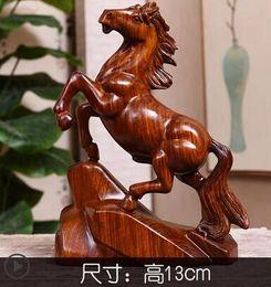 2019 cavallo intagliato in legno Cavallo in legno intagliato con artigianato in legno di pero giallo asiatico sconti cavallo intagliato in legno