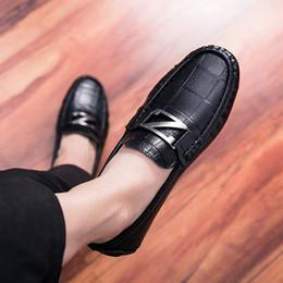 917e8f421ccc Mens cuir véritable mocassins lettre vache muscle mocassin plaid grain  chaussures chaussures de conduite pour hommes doux occasionnel confort  chaussures de ...