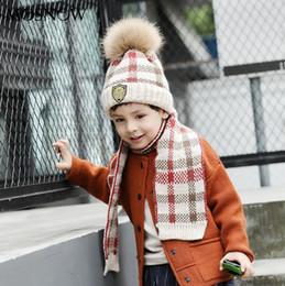Pescoço aquecedores lenço de pele on-line-2 Peças Coroa Rótulo Chapéu Cachecol Set Criança Infantil Knit Warn Faux Pele Pom Pom Beanie Hat + Scarf Neck Warmers