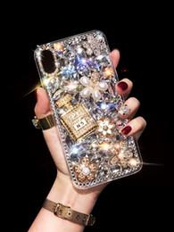 Галантерейные стропы онлайн-Роскошный Ремешок Цепи 3D Diamond Телефон Чехол Для Ihone XR XMAX 8 7 6S Алмазный Флакон для духов для Samsung Galaxy S8 S8Plus S9 Note9 S10 Case