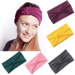 Samt scrunchie online-Sports Yoga Hair Band Wide Headband Velvet Knot Headband Noble Scrunchie Twist Yoga Hairband Turban Headband Bandage EEA1076