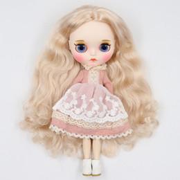 fabbrica blyth doll 1/6 corpo bianco pelle bjd joint, nuovo viso opaco labbra intagliate con sopracciglio personalizzato viso, capelli biondi BL3139 cheap carved doll da bambola intagliata fornitori