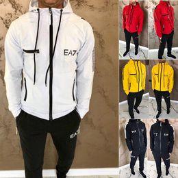 2019 alfândega india Chegada Nova Casual Men Padrão Set Letter Moda Mens Sportwear Treino manga comprida Hoodies cordão Pant Suit bolsos com zíper