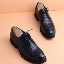 Zapatos de boda coreanos online-Primavera y otoño. Versión coreana aguda de zapatos juveniles de baja altura. Traje británico. Peluquería masculina. Mejores zapatos de boda para hombre.