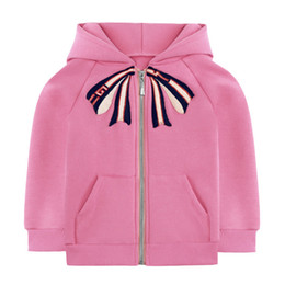 Тонкая галстучная мода онлайн-Детские дизайнерские куртки Симпатичные галстуки-бабочки для девочек Куртки Модные стили Англии Классическое тонкое пальто с флисом Активная одежда для девочек