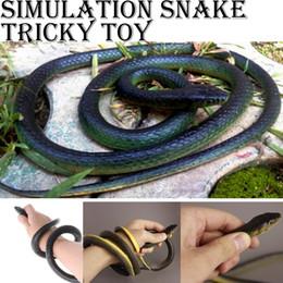 Brinquedos de cobra de borracha on-line-Muito Verdadeiro Brinquedo De Borracha Falso Snake Safari Jardim Prop Brincadeira Piada Presente Do Dia Das Bruxas