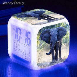 Réveil flash en Ligne-Prairie Elephant Digital Alarm Clock 7 Couleur Lumineux Touch Sensing Alarm Alarm Clock Chambre Enfants Multifunctio Montres Flash