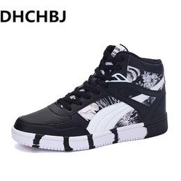 2019 zapatos de hip hop del invierno Nuevos hombres zapatos casuales 01aaa2b1c27