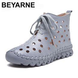 projetos frescos do laço da sapata Desconto BEYARNE Novo Design de Verão Mulheres Botas Ankle Boots de Couro Macio Genuíno Para As Mulheres Sapatos Casuais Respirável Oco Fresco Woma