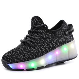 Patines de ruedas para niños zapatos online-Colorido LED intermitente para niños Roller Skate Shoes Zapatos de Rolling que brillan intensamente de malla de aire boysgirls Skates zapatillas de deporte luminosas