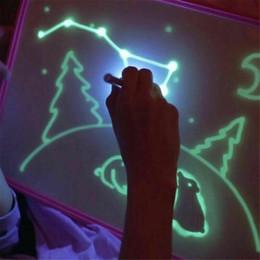 Placas de empacotamento on-line-Desenhar com luz-divertido e Desenvolvimento Toy fluorescente Luminous Toy Board em crianças escuro Crianças Funny Toy Big Pack 1PEN / Set para crianças