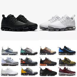Buenas zapatillas de senderismo online-Run Utility Mens Designer Running Shoes 2019 Mens Good Cushsion 360 Trainers Outdoor Superstar Cheap Run Senderismo zapatillas de deporte para correr 40-45